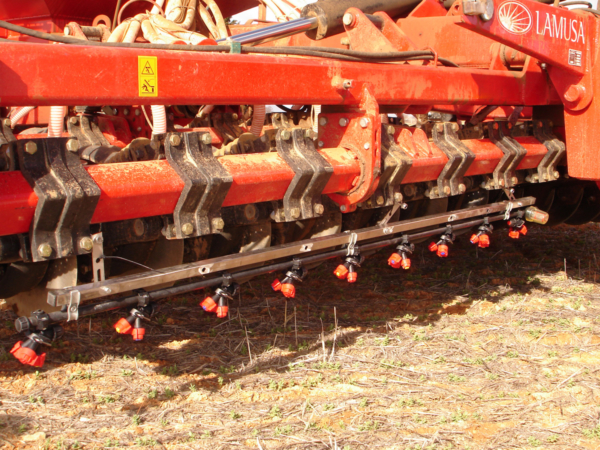 Tecnospra Europa. Herbicide applicator bar.